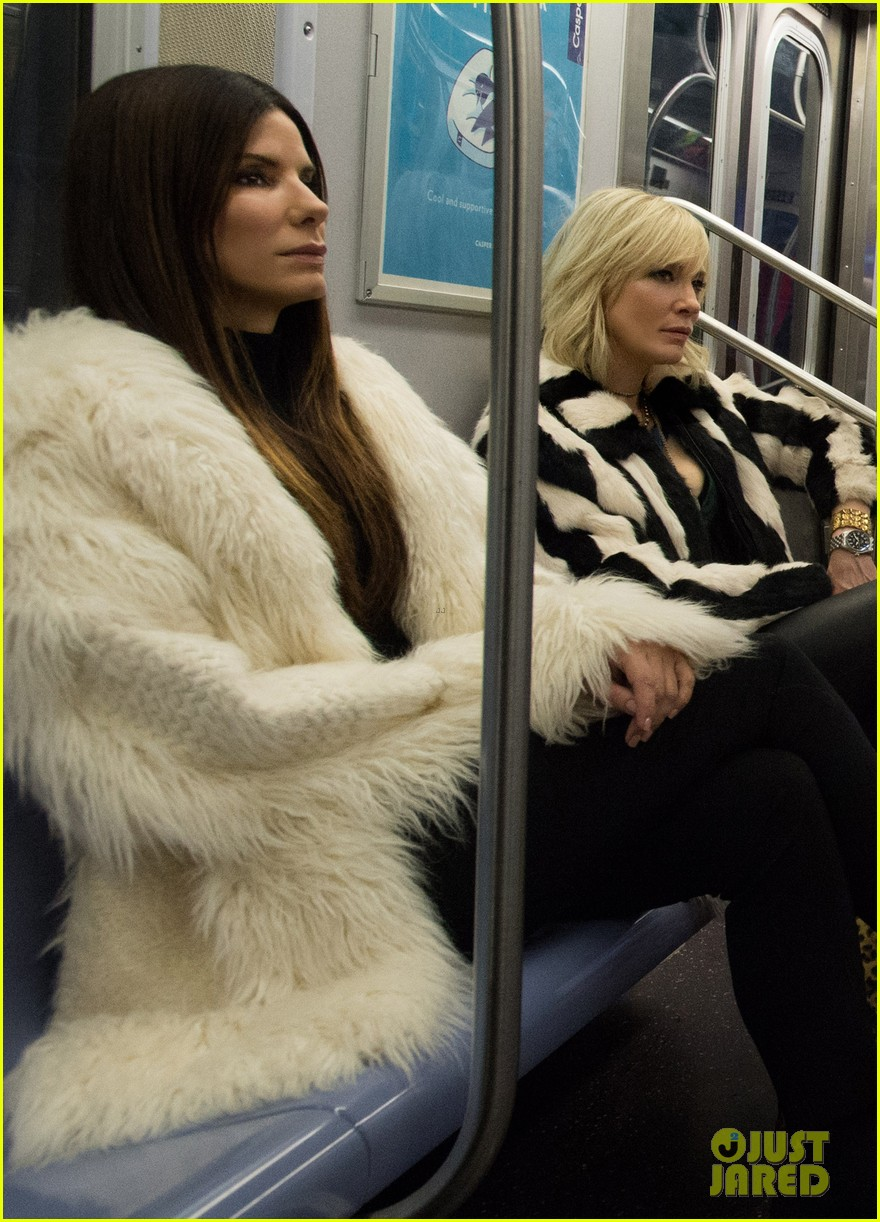 first oceans eight photo cast riding the subway 013850216