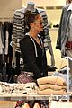 drake buys jennifer lopez 100000 dollar necklace 07
