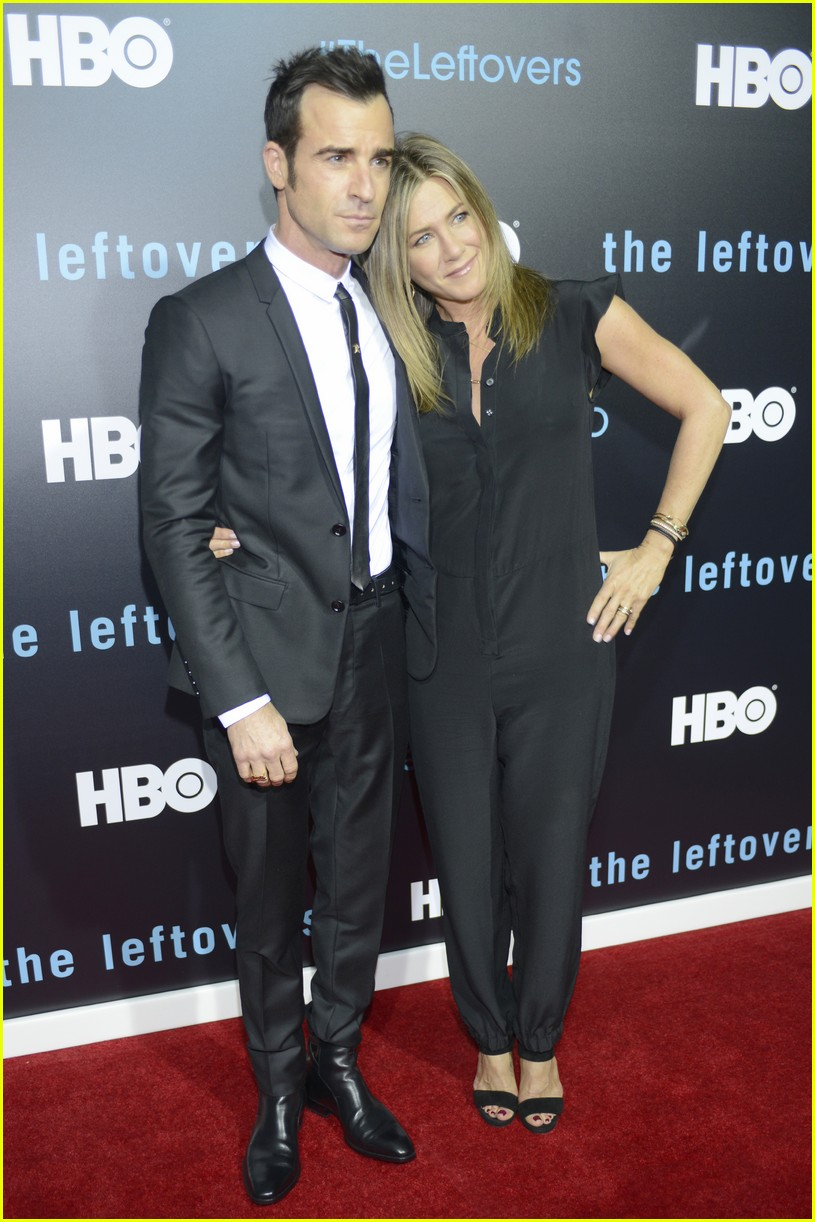 justin theroux left golden globes early for sweet reason 043840484