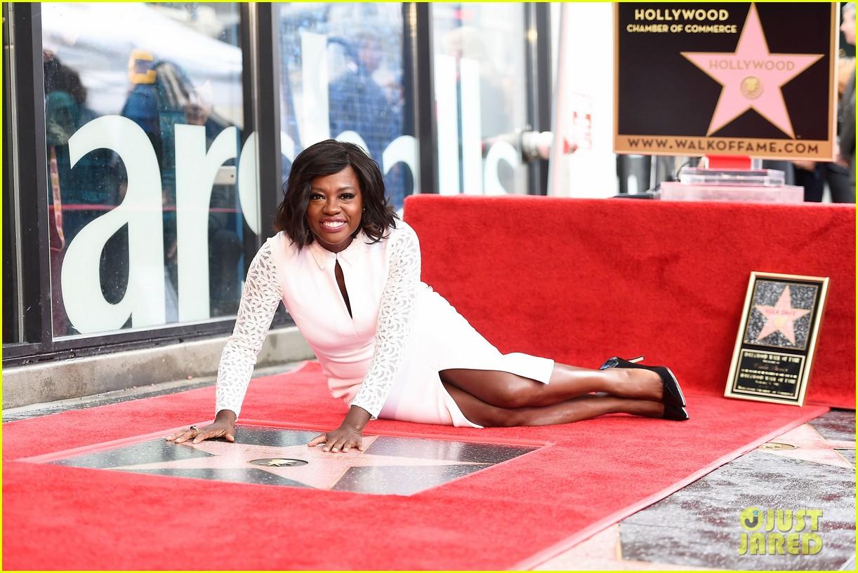 viola davis receives star on hollywood walk of fame 033837177