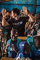 orlando bloom visits children in niger displaced by boko haram violence 16