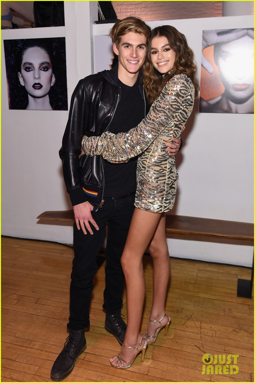 kaia gerber family marc jacobs celebration 093861195