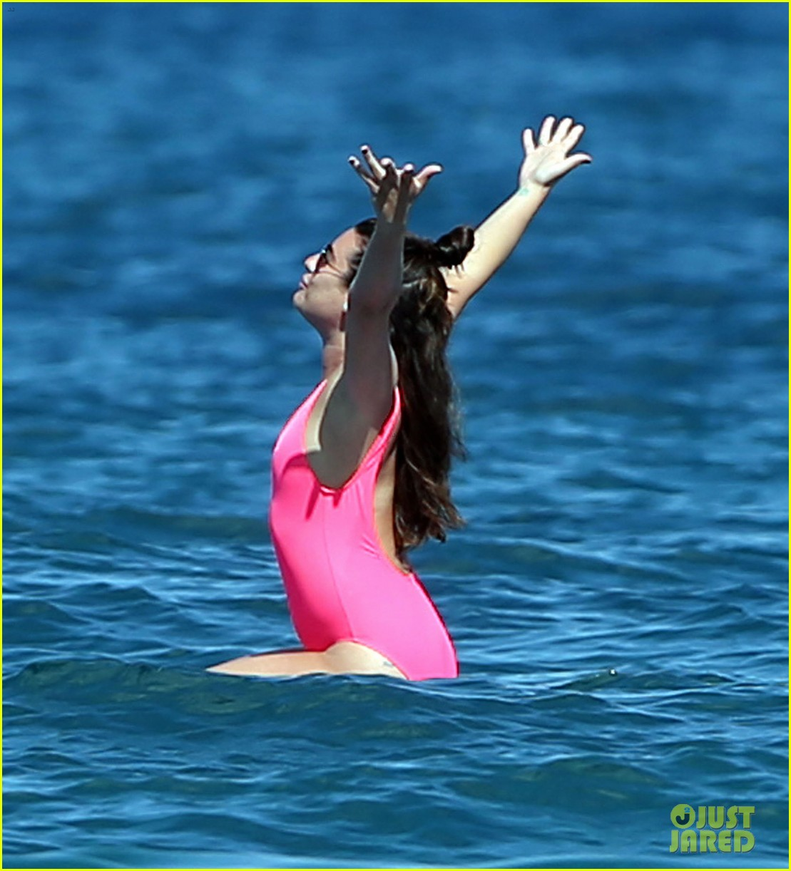 lea michele successfully does yoga on water 173864641