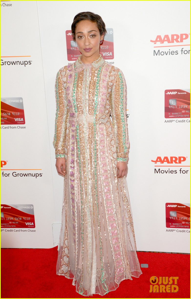 ruth neggas loving isabelle hupperts elle win big at aarps movies for grownups awards 023854681
