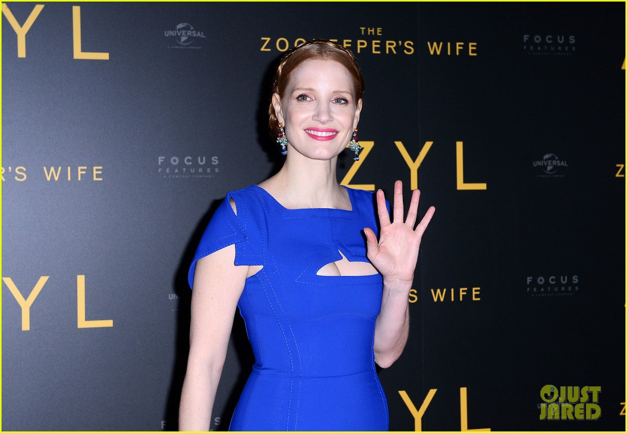 jessica chastain visits zoo in warsaw zookeepers wife tour 043871140