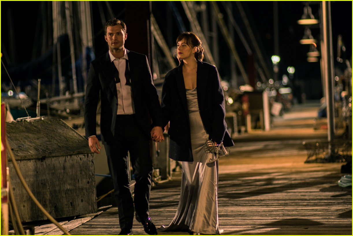 fifty shades darker photos full gallery of stills released 013876379