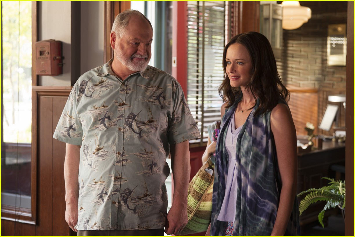 gilmore girls year in the life new stills 013870324