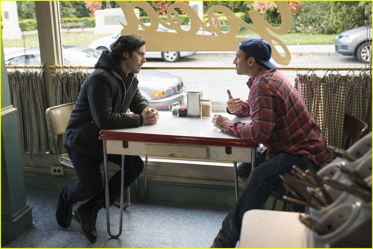 gilmore girls year in the life new stills 023870325