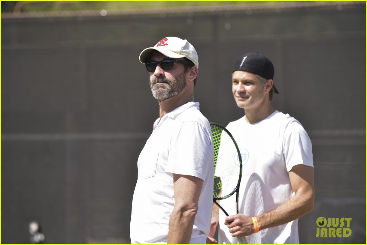 jon hamm helps raise over 100k at desert smash charity tennis 013871359