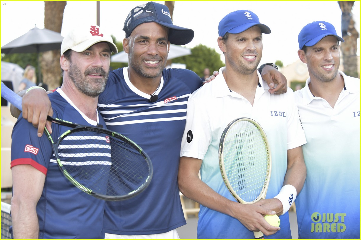 jon hamm helps raise over 100k at desert smash charity tennis 053871363
