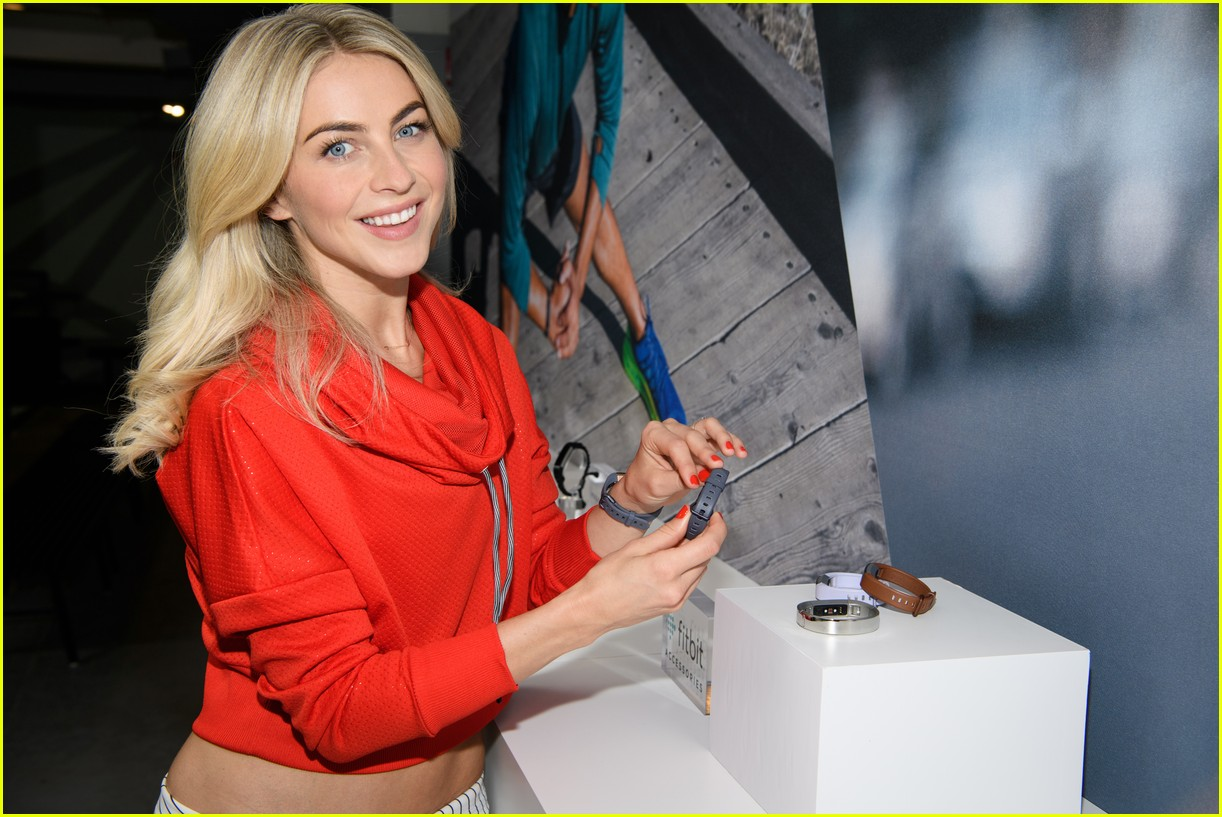 julianne hough refuses to lose weight for her wedding i dont want to look different 083870708