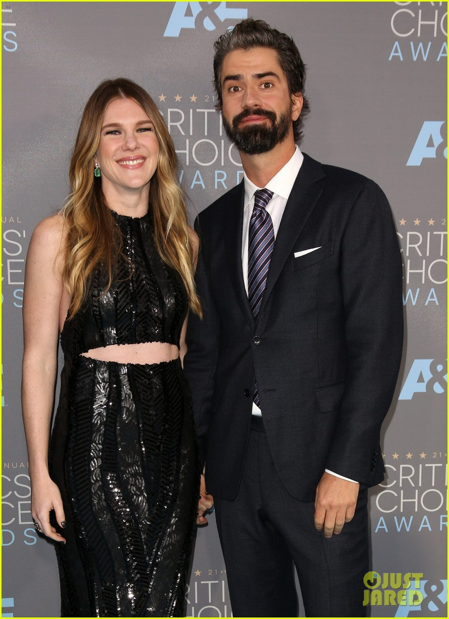 lily rabe welcomes daughter hamish linklater 033874271