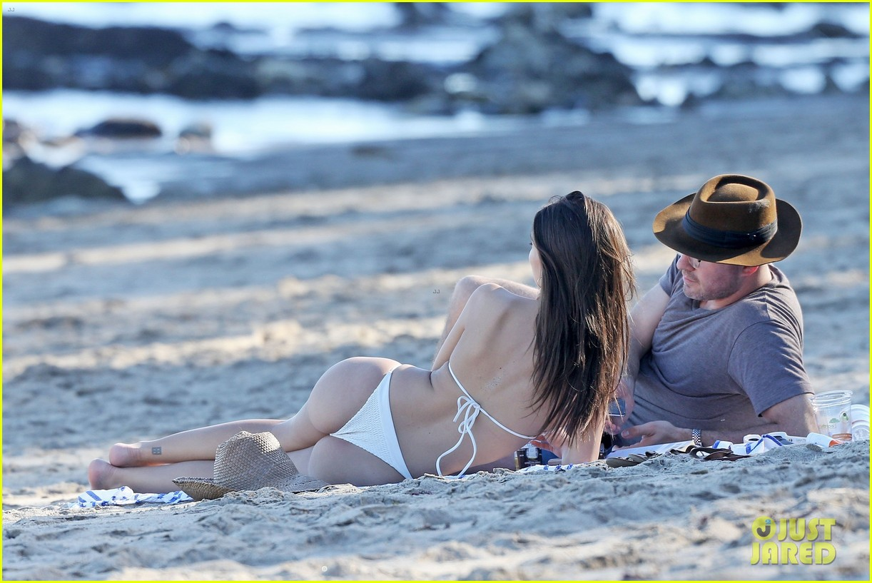 emily ratajkowski boyfriend jeff magid beach 023872083