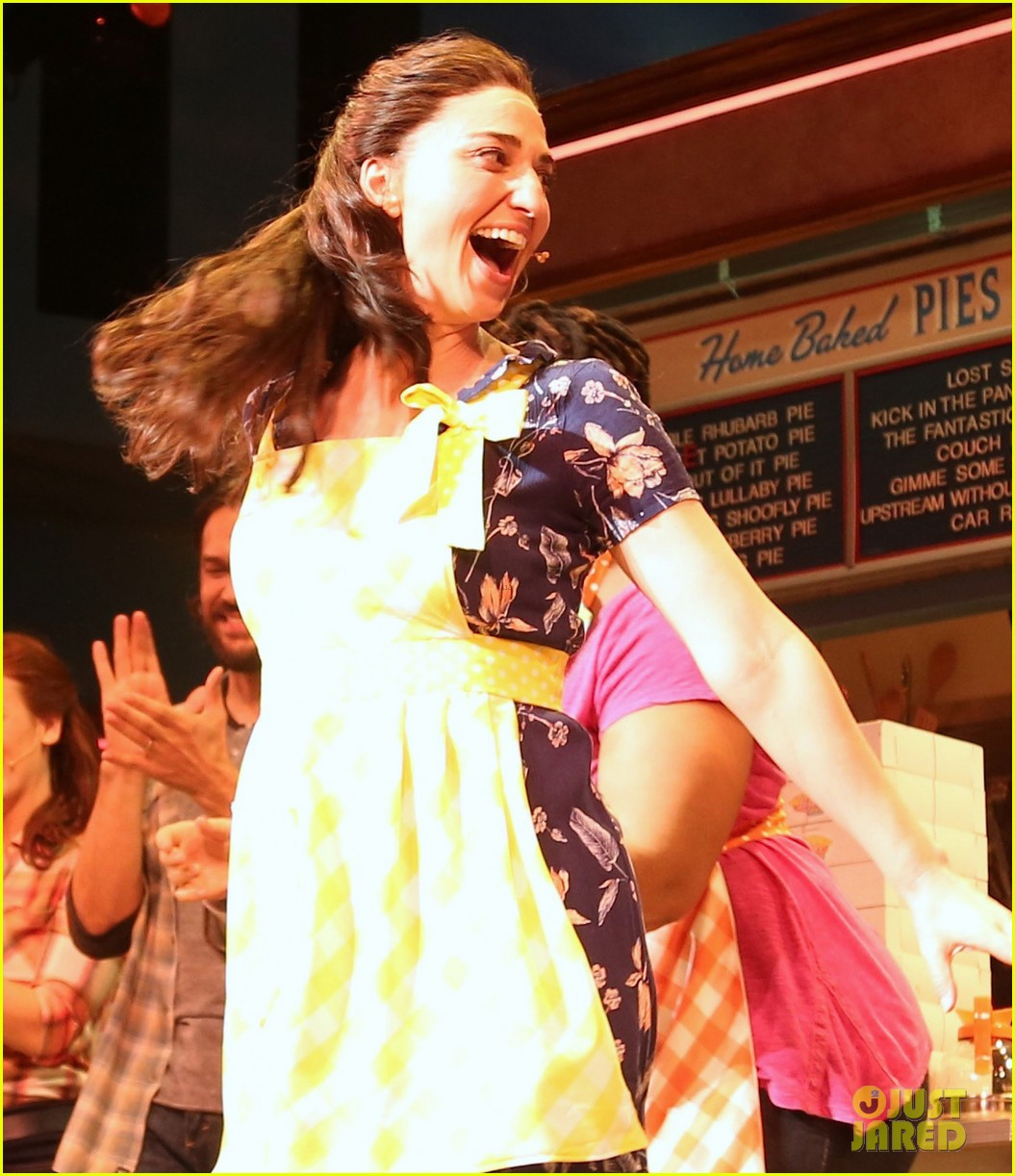 sara bareilles makes her broadway debut in waitress 023880823