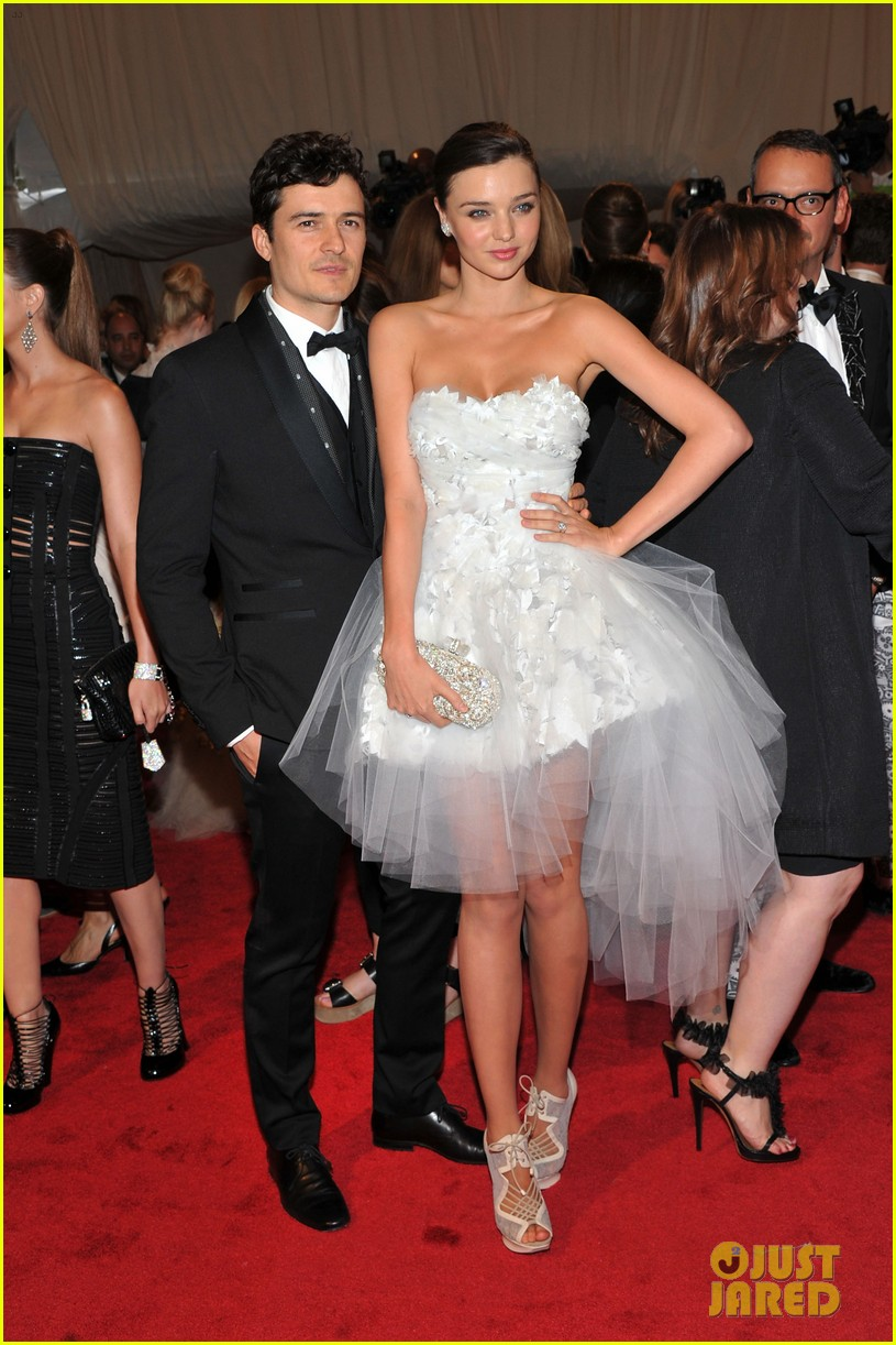 orlando bloom wishes miranda kerr happy birthday 023888848