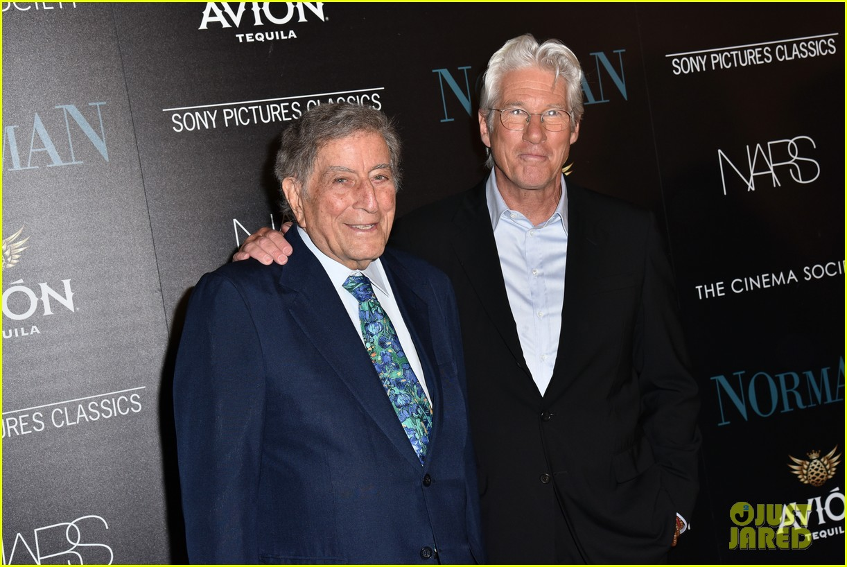 richard gere reveals he hasnt seen pretty woman in 27 years 033885310