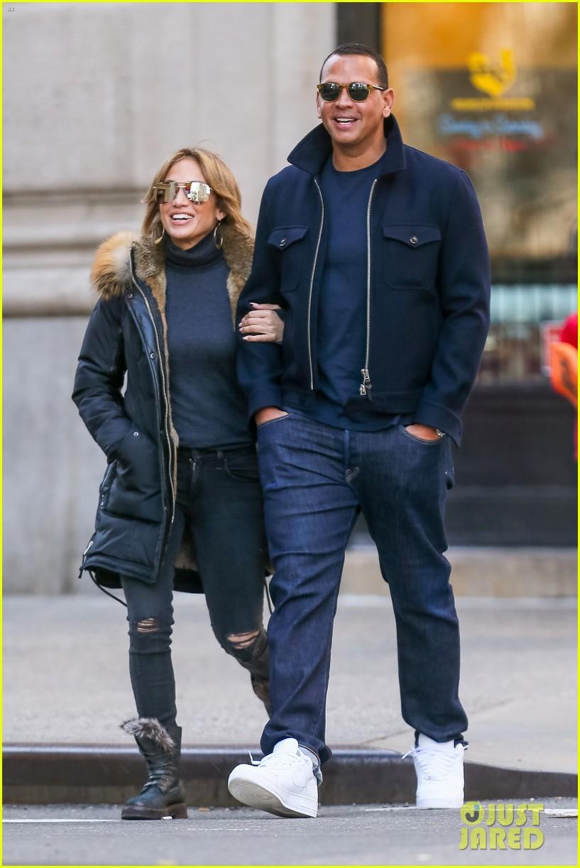 Jennifer Lopez & A... Jennifer Lopez