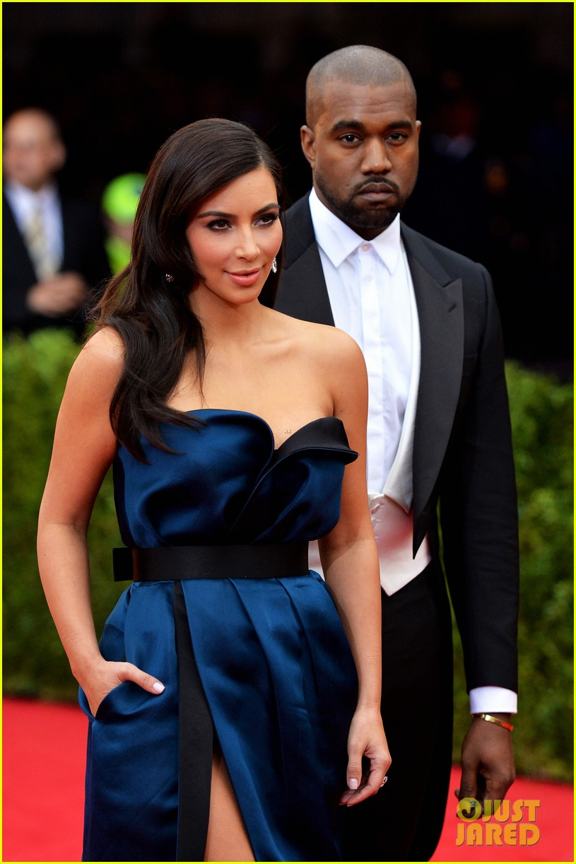 Full Sized Photo of kim kardashian to attend met galal ...