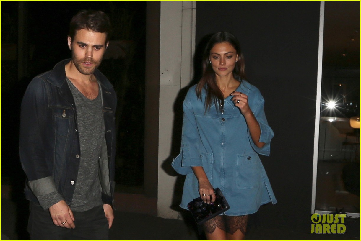 exes paul wesley and phoebe tonkin reunite for dinner in weho3 023883745