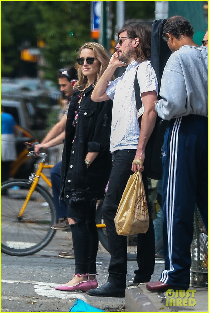 dianna agron hubby winston marshall hang out in nyc013906549