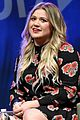 kelly clarkson talks new album at music biz panel its got a lot of sass 04