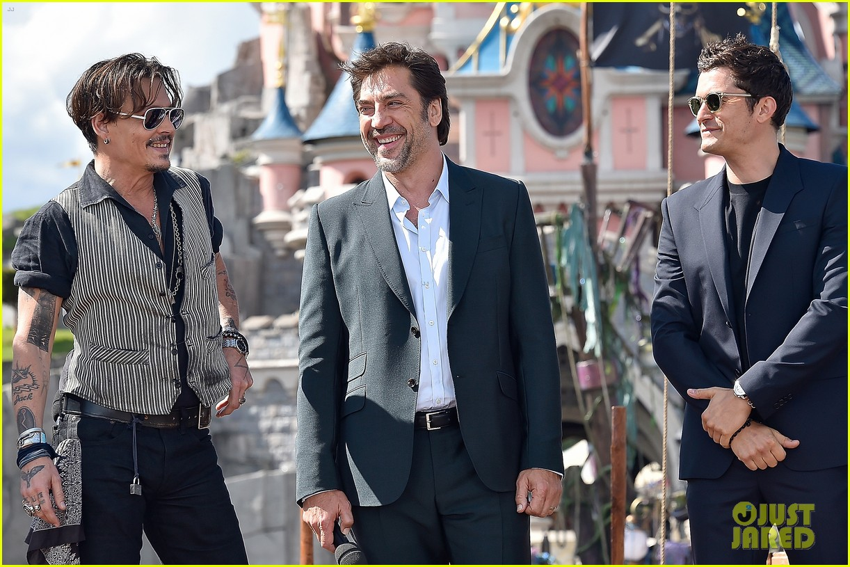 johnny depp orlando bloom javier bardem bring pirates of the caribbean to paris 053898947