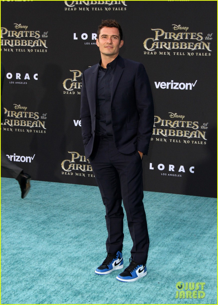 johnny depp orlando bloom premiere pirates in hollywood 013901304