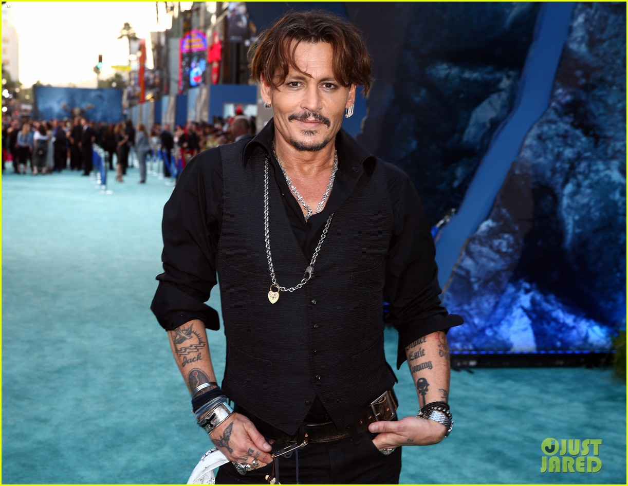 johnny depp orlando bloom premiere pirates in hollywood 053901308