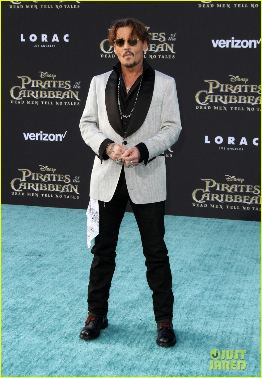 johnny depp orlando bloom premiere pirates in hollywood 163901319