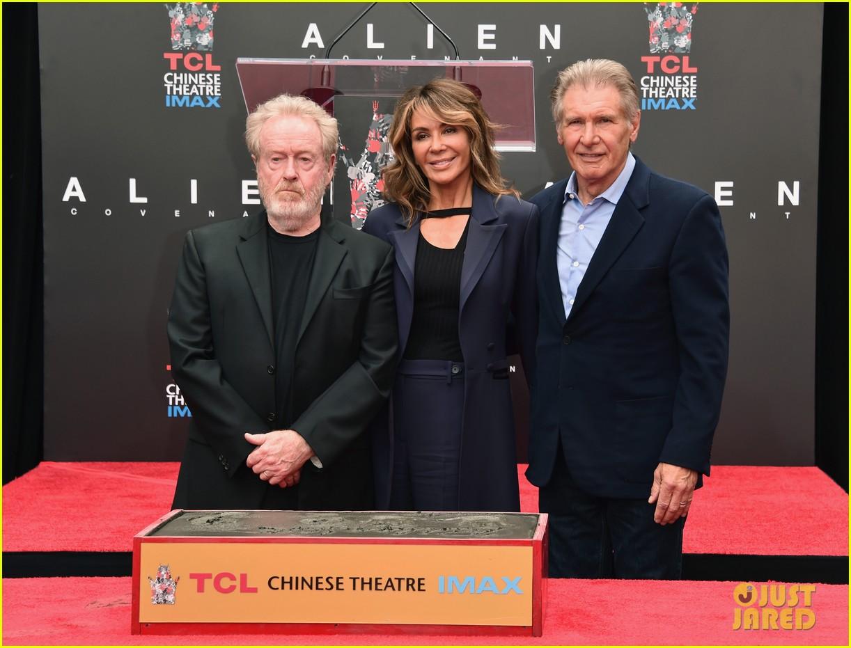 harrison ford michael fassbender alien cast support ridley scott at hollywood imprint 013900819