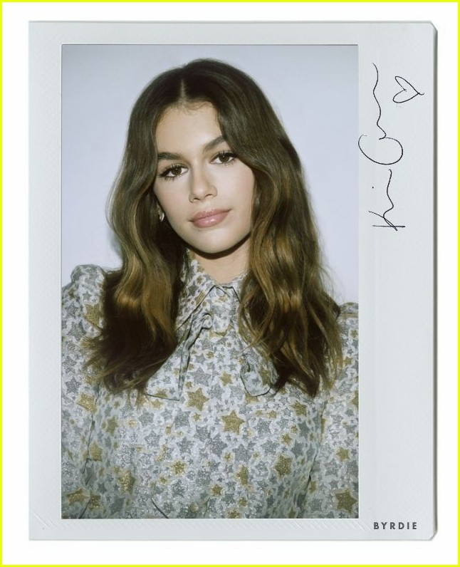 kaia gerber reveals her mom cindy crawfords best beauty tips less is more 023901279