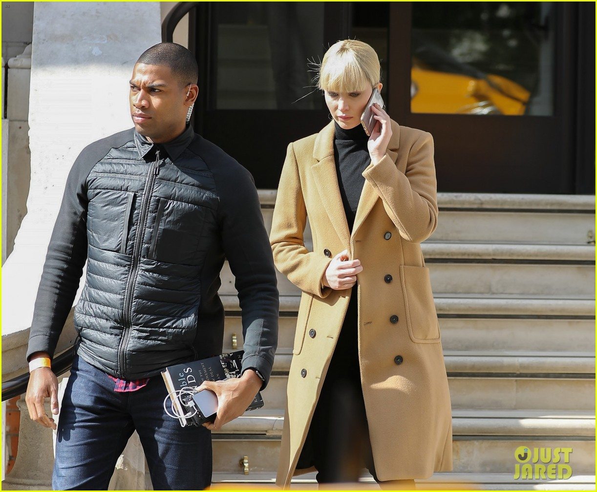 jennifer lawrence gets into character on red sparrow set 043896054
