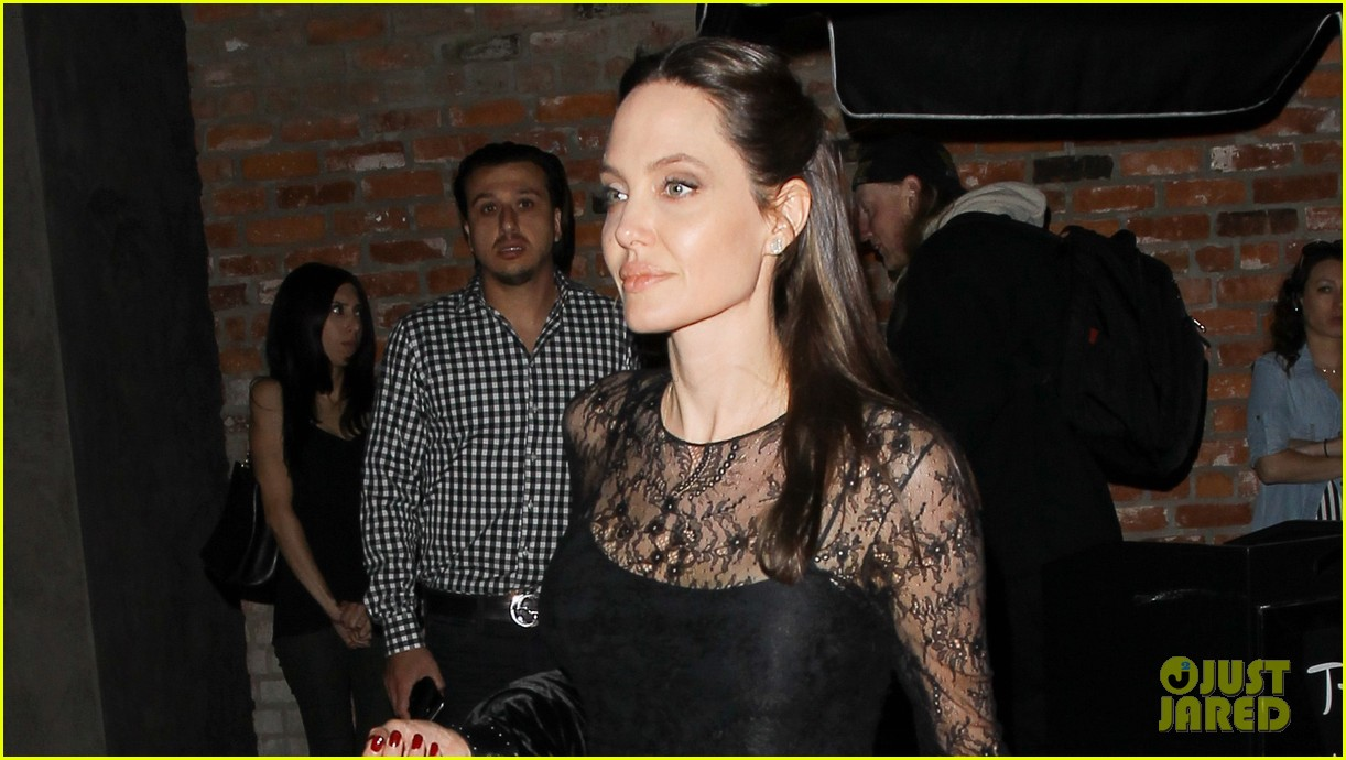 angelina jolie dinner mothers day 023898850