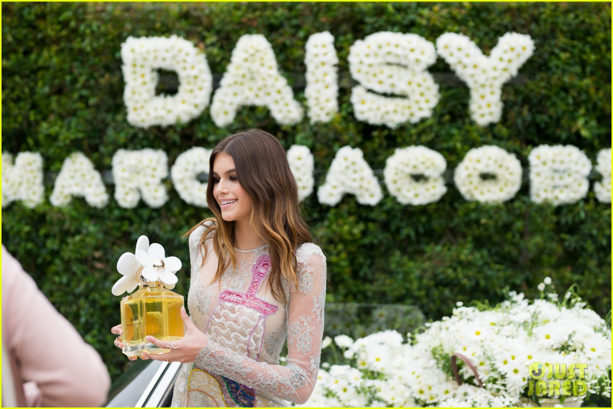 kaia geber marc jacobs daisy fragrance launch 253897334