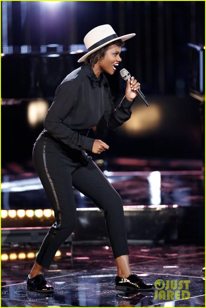 alicia keys natural woman the voice 043894297