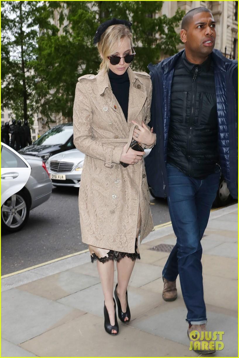 jennifer lawrence visits palace london 013896612