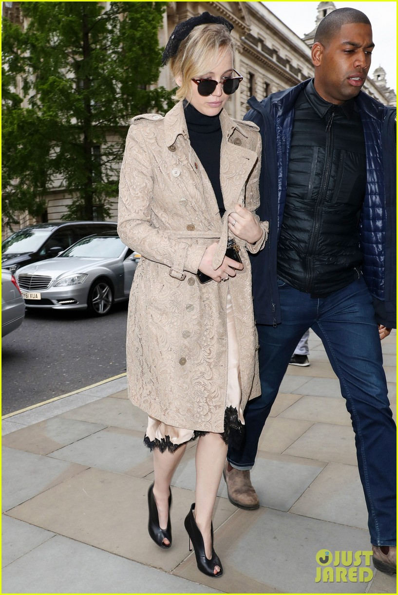 jennifer lawrence visits palace london 023896613