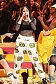 noah cyrus handles her mtv movie tv awrds stage like a boss 04