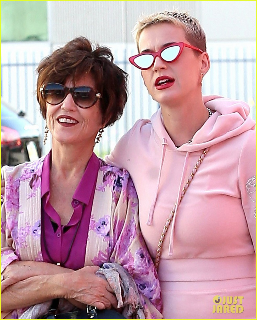 katy perry museum of ice cream mothers day 023899019