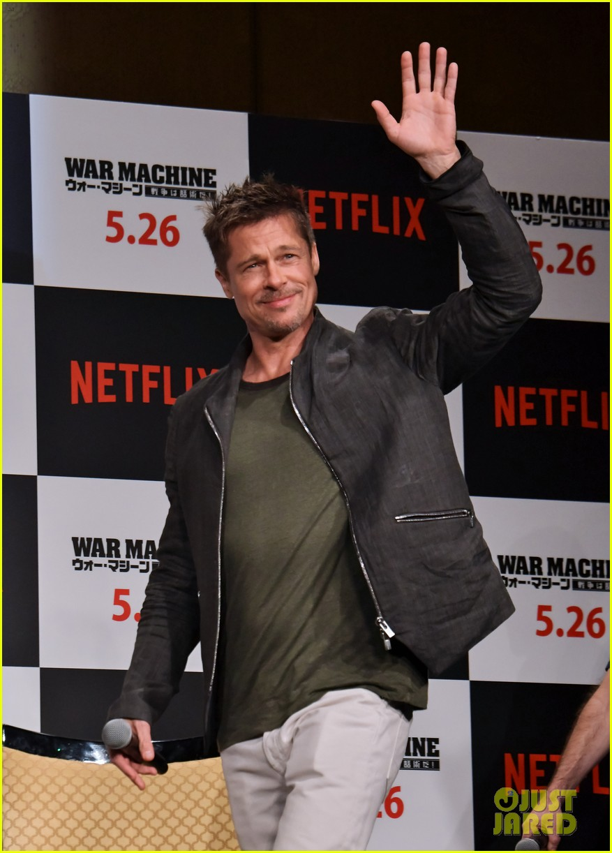 brad pitt brings war machine press tour to tokyo 033903188