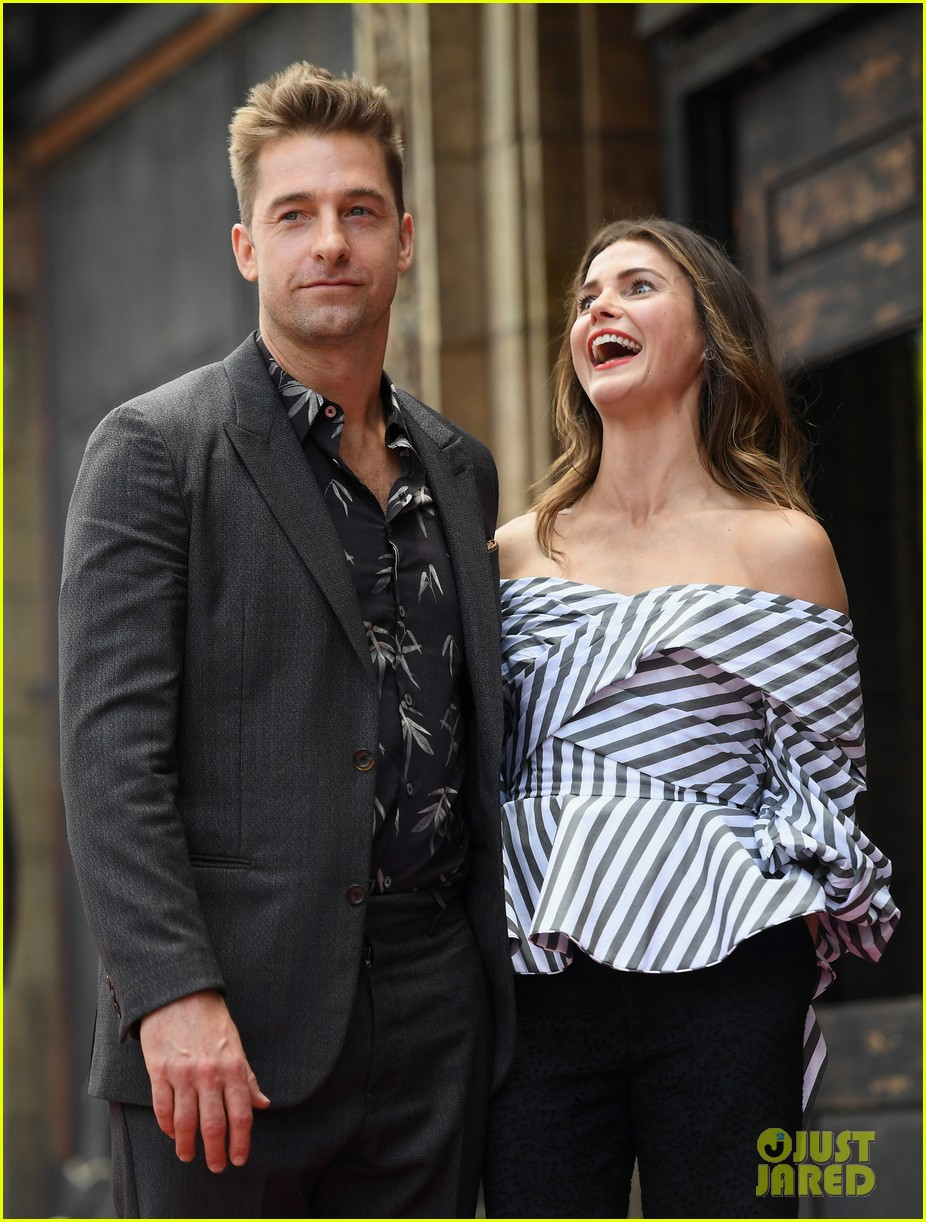 keri russell reunites with scott speedman at hollywood walk of fame 213907135