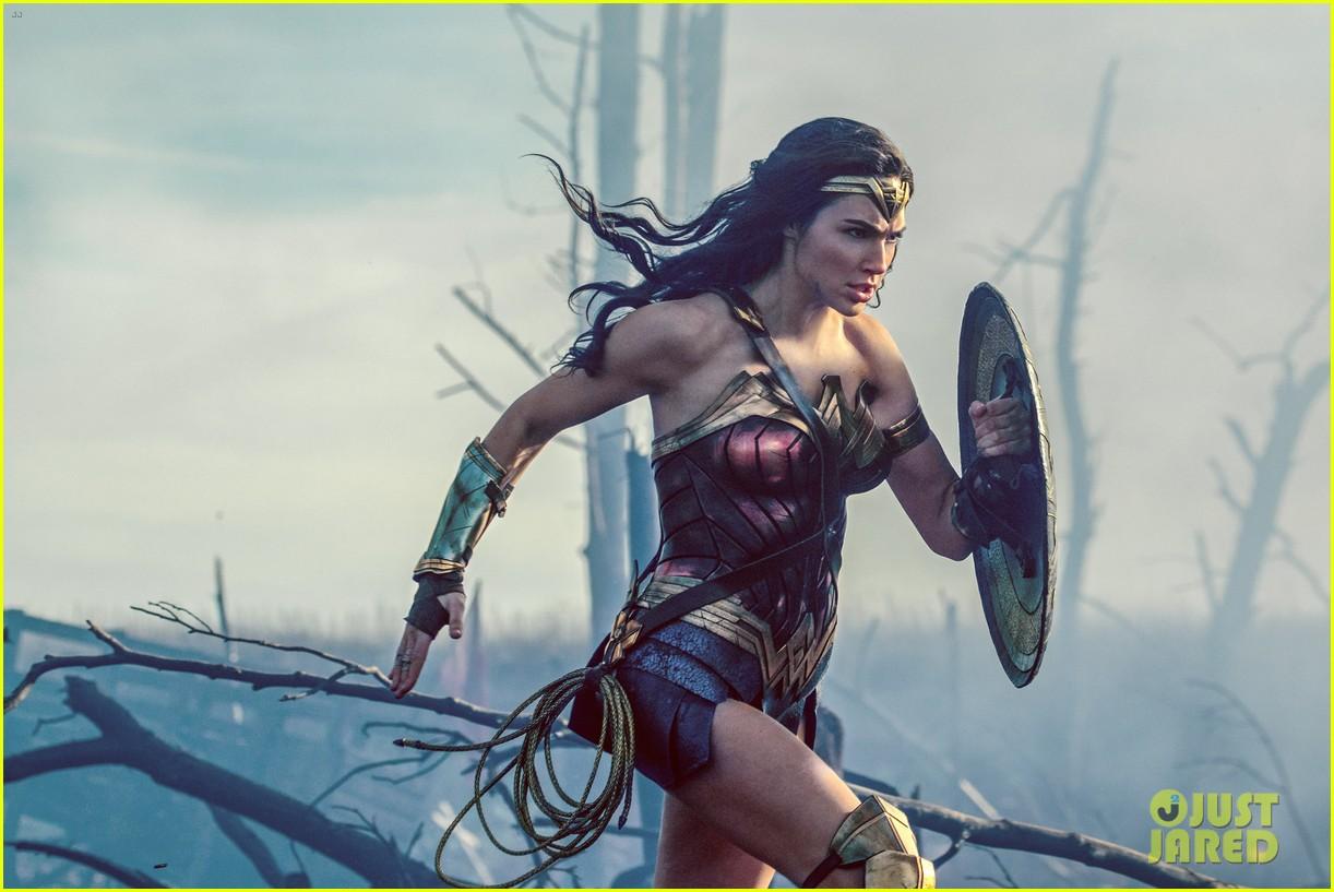 wonder woman movie stills gal gadot 023901497