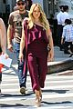 hialry duff brightens up the set of younger in nyc07