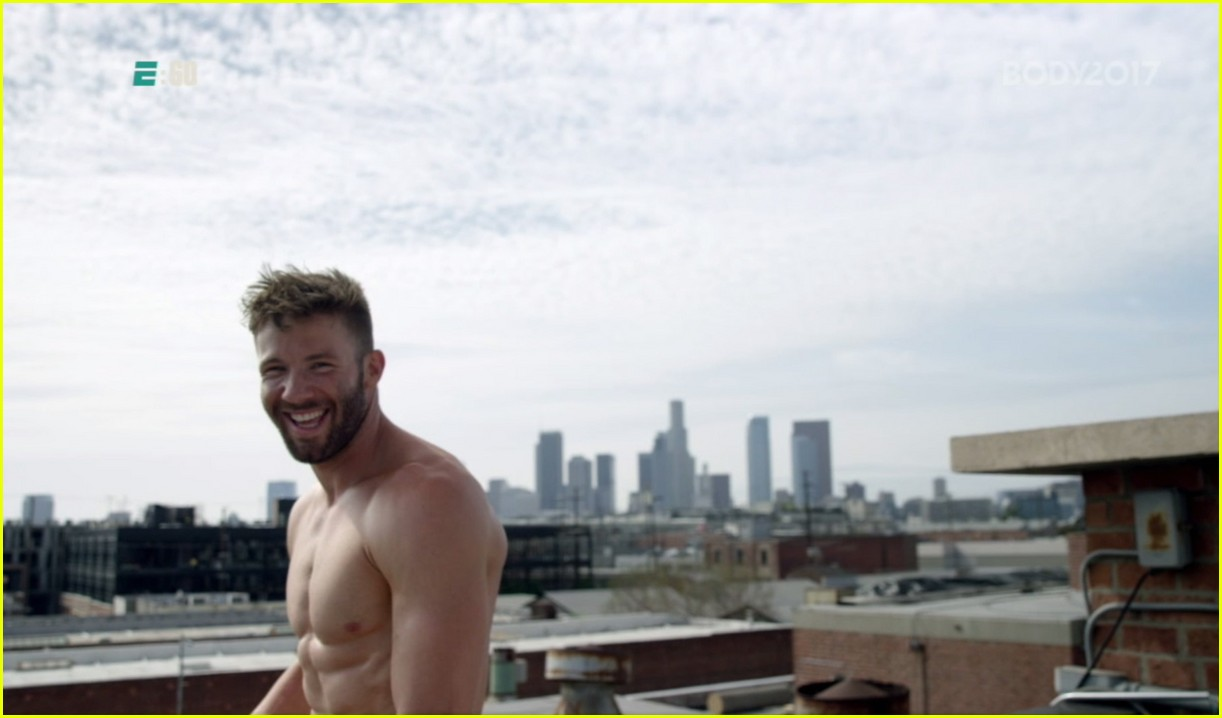 Julian Edelman Is Naked And Eating A Cheeseburger In ESPN