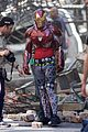 iron man wears his armor in new avengers infinity war set photos 05