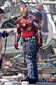 iron man wears his armor in new avengers infinity war set photos 08