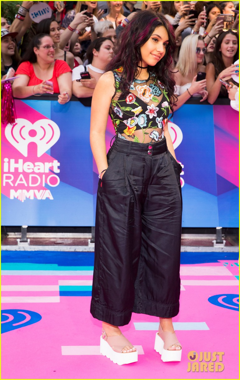 joe jones dnce alessia cara hit the iheartradio mmva carpet 013916142