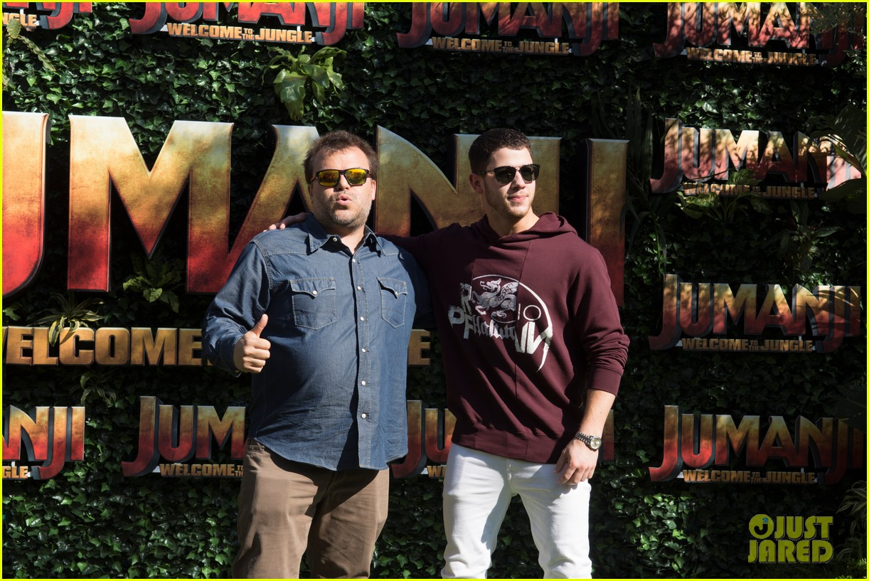 jack black nick jonas face off during jumanji promo 033916129