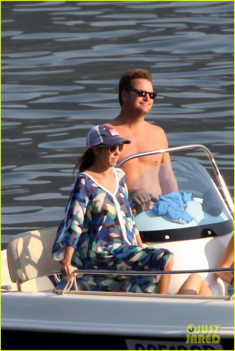 chris odonnell goes shirtless for family vacation at lake como 013915070