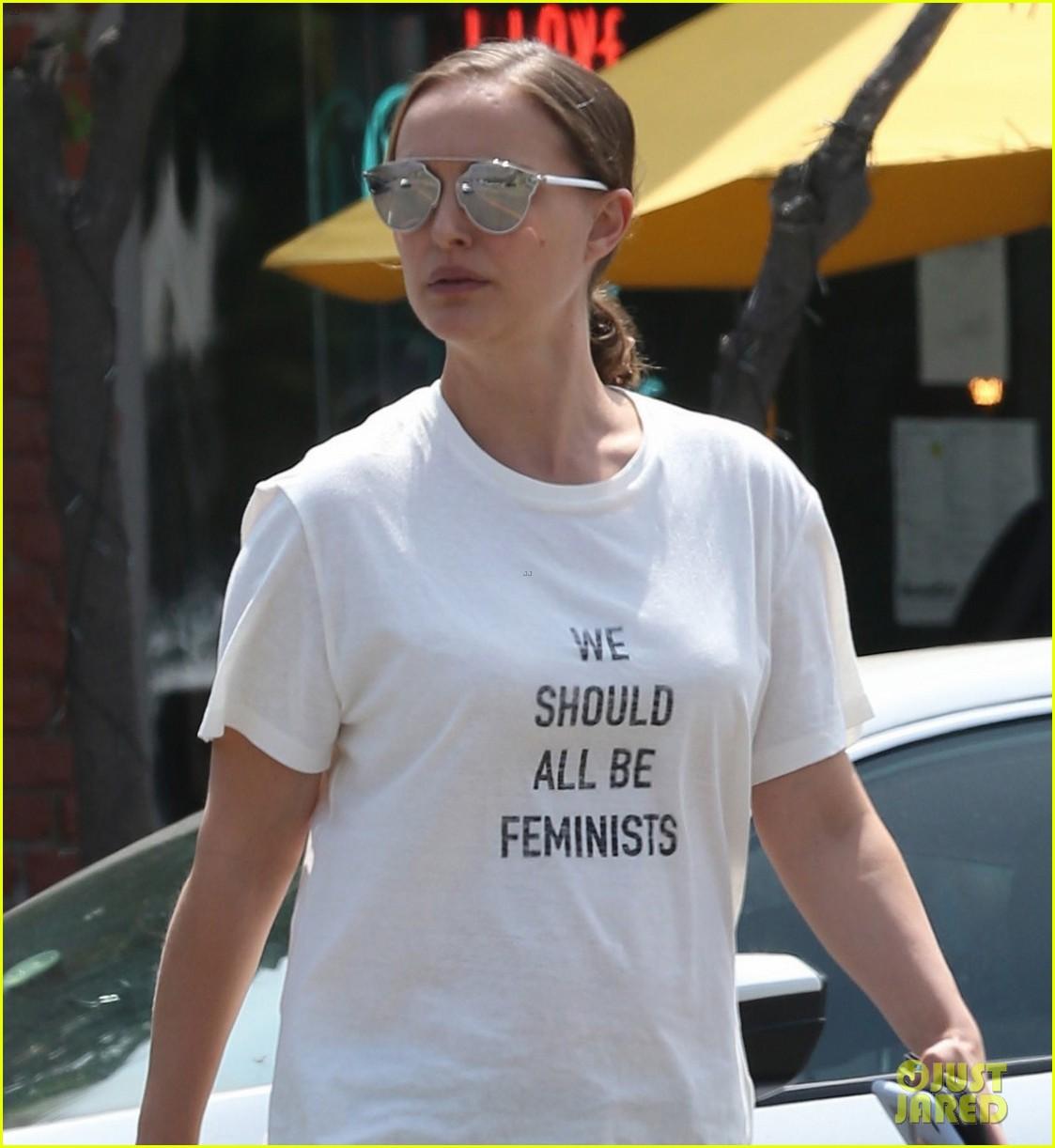 natalie portman wears 710 we should all be feminists shirt 023910172